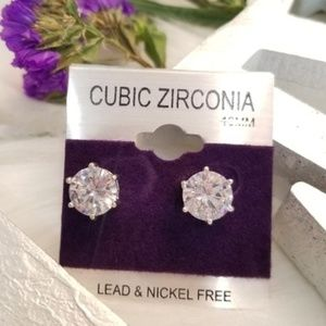 WOMENS FASHION EARRINGS DIAMOND STUDS